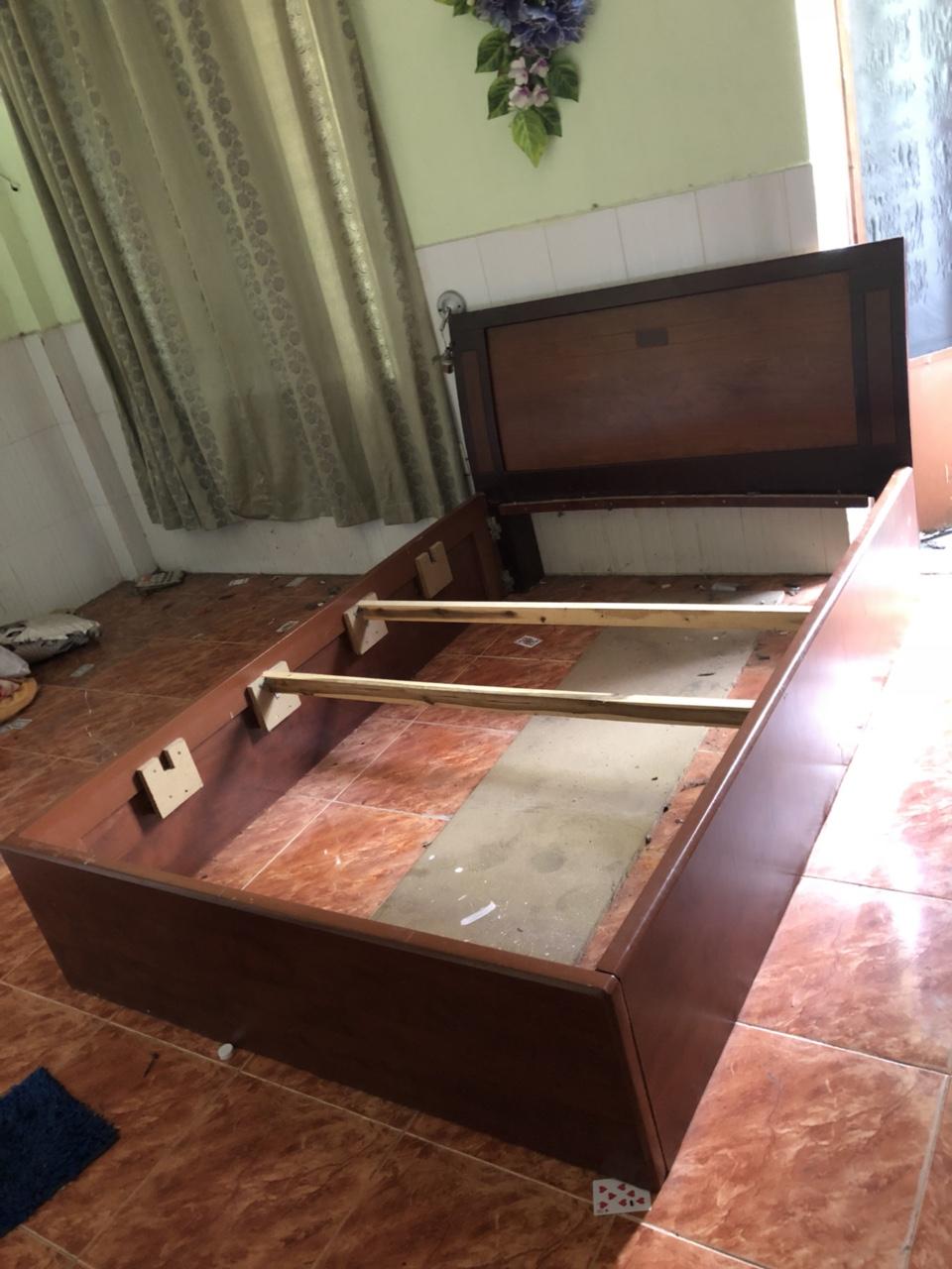 Thanh lý giường cũ 1m4 gỗ cao cấp giá rẻ
