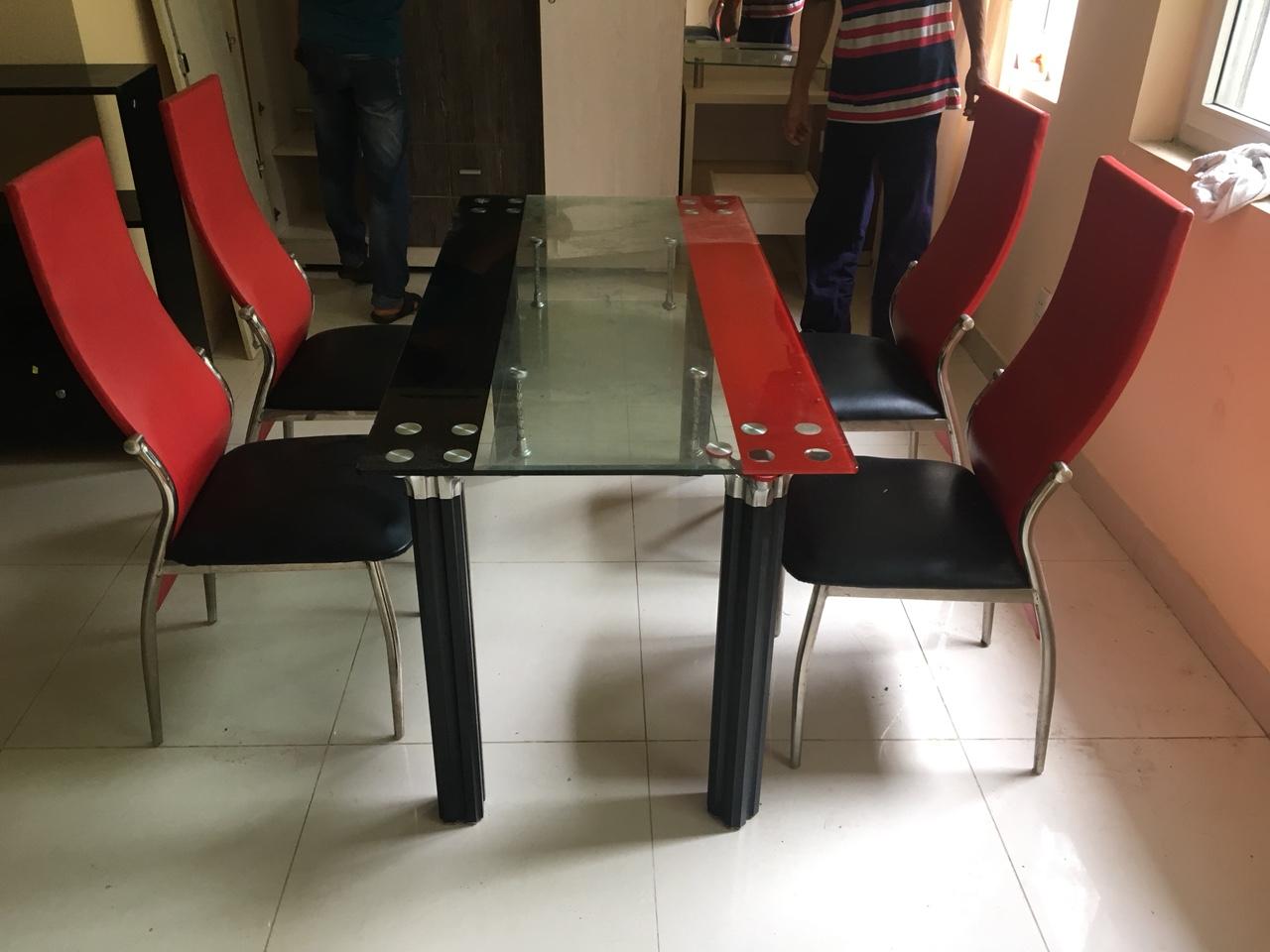 Thanh lý bộ bàn ăn 4 ghế cũ mới 90% giá rẻ