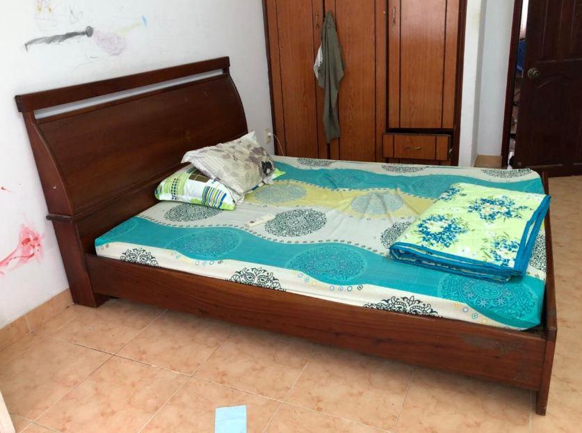 Thanh lý giường cũ Xoan đào 1m6 xịn