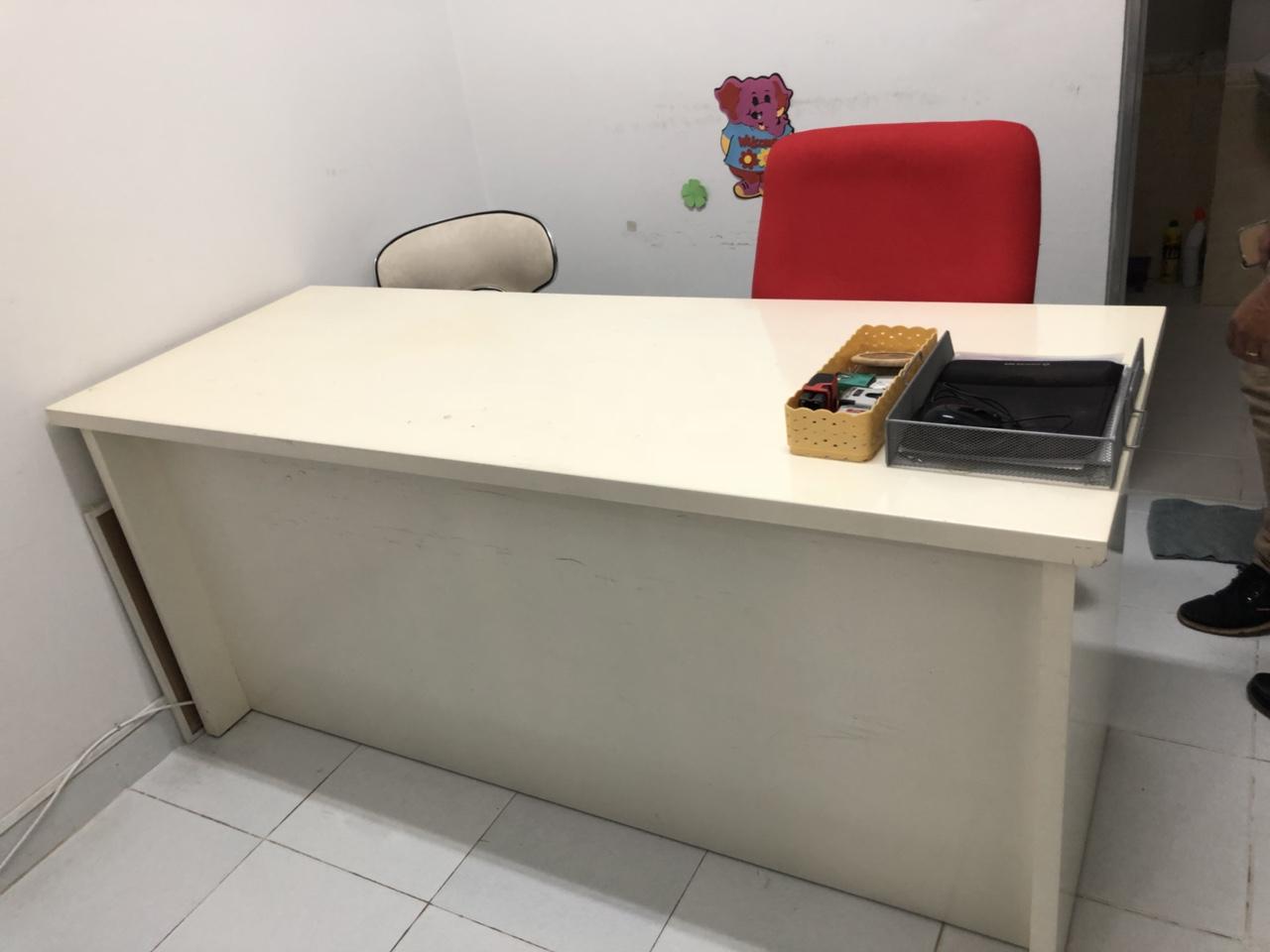 Thu mua bàn ghế văn phòng cũ tại quận 5